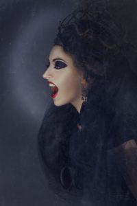 Vampiri in città, indagini in corso…